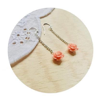 E001 石 粉 粉 紅 玫 瑰 花 耳 環 (華姐)