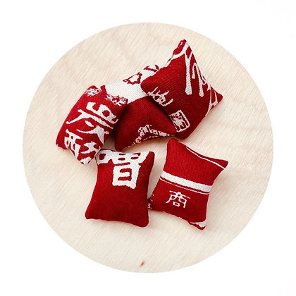 W001 紅 色 花 紋 日 本 布 抓 子 連 小 索 袋 (華姐)