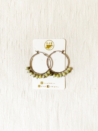 E022 牛 油 石 耳 環 (華姐)