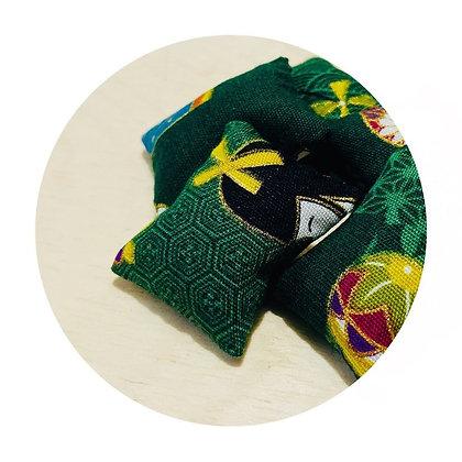W007 日 系 深 綠 和 風 娃 娃 抓 子 連 小 索 袋 (華姐)