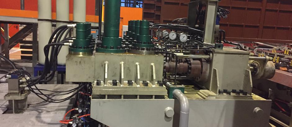 Запуск гидравлического пресса для труб с испытательным давлением до 100 МПа