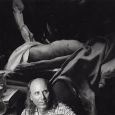 Foto di Mario Dondero, scattata nell'atelier di Regoli a Portoferraio, nel 2011