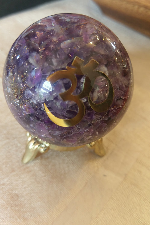Orgonite orb with amethyst