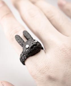 "刺繍兎""些"" / Lace RABBIT ""tiny"" ring"