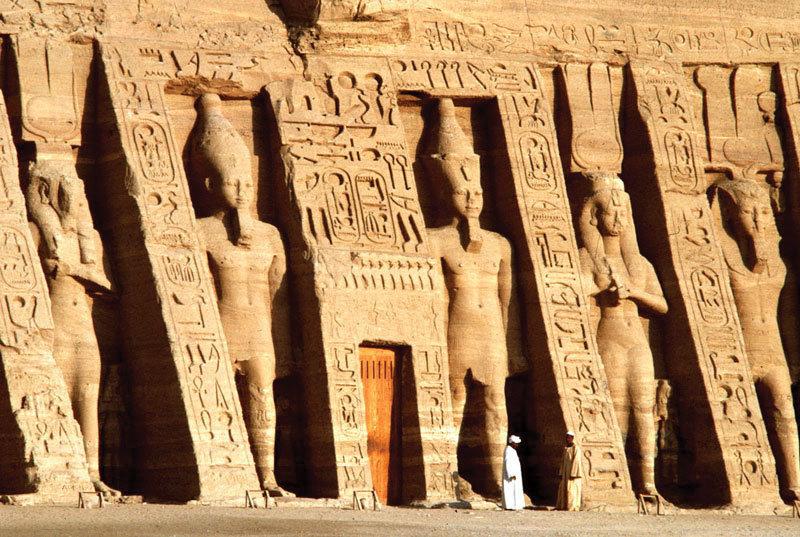 Ramses-II-Temple-Abu-Simbel-Nefertari-Ha