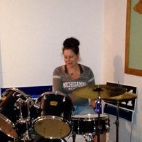 I love the drums!