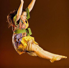 A reminder that - yes, I can fly as a dragonfly...Choreo: Robertta Otten; Photo: Kevin Fowler