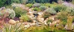 Bassin d'ornement avec cascade