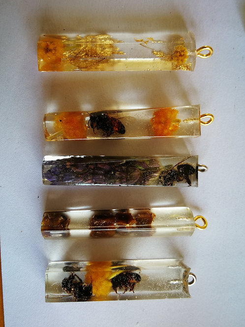 SEMI Discounted Resin Bee necklace
