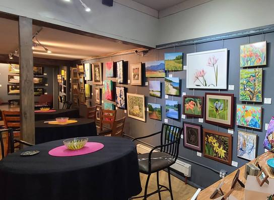 Lounge in Art Gallery setting