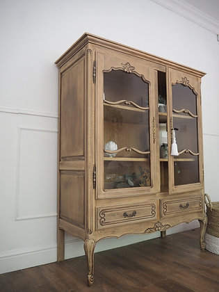French Louis Xv style Vintage Glass Cabinet in weathered Oak Limed Oak