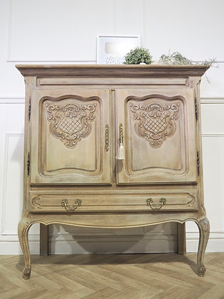 French Louis XV vintage cabinet in raw wood limed oak