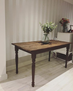 Zoe's new dining table ready to go home tomorrow! It was fun replacing the old pine table top with s
