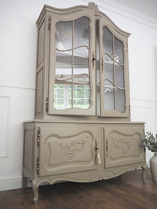 Large French Louis XV vintage Display cabinet glass Doors