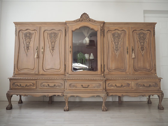 Very large French Louis XV dresser cabinet sideboard