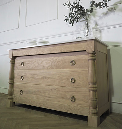 Halle Chest in oak Marble top