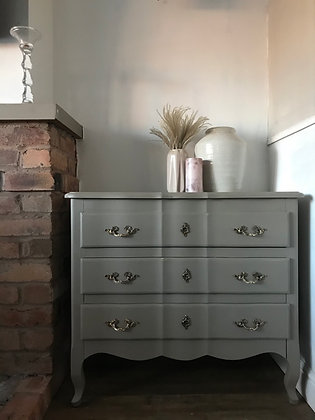 French drawers / chest in taupe stone