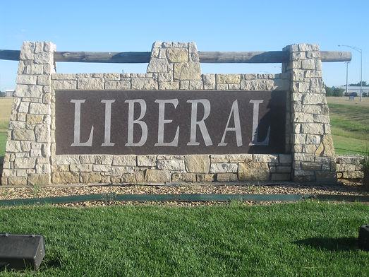 Liberal,_KS,_welcome_sign_IMG_5968.jpg