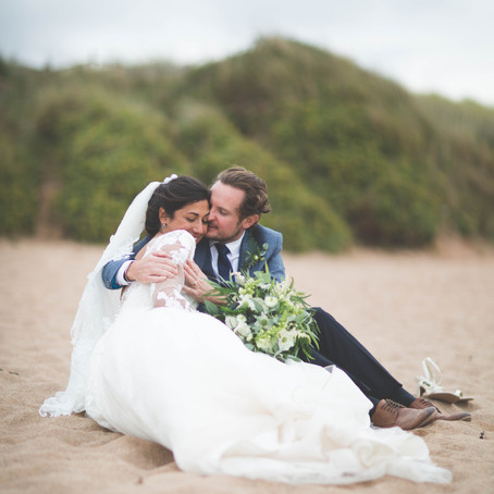 RELAXED SEASIDE WEDDING...