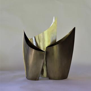Vaso Bromélia - ouro velho e dourado