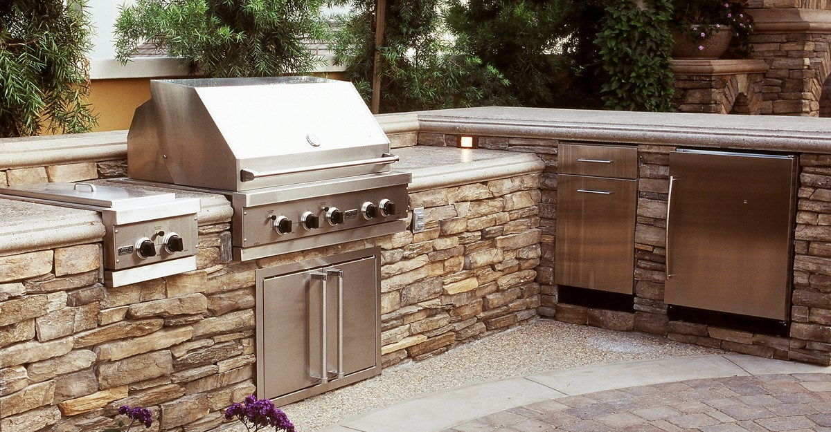 Outdoor Kitchen StoneWall Landscapes