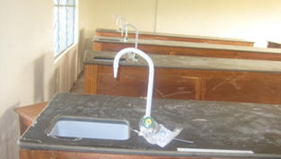 fixed sinks and pump heads in the chemis