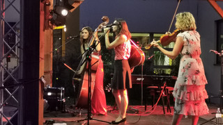 The Schick Sisters-Konzert