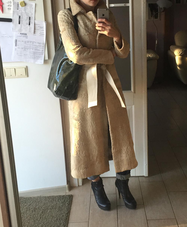 С чем носить пальто из каракульчи