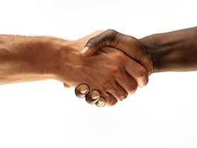 black-and-white-people-shaking-hands_352