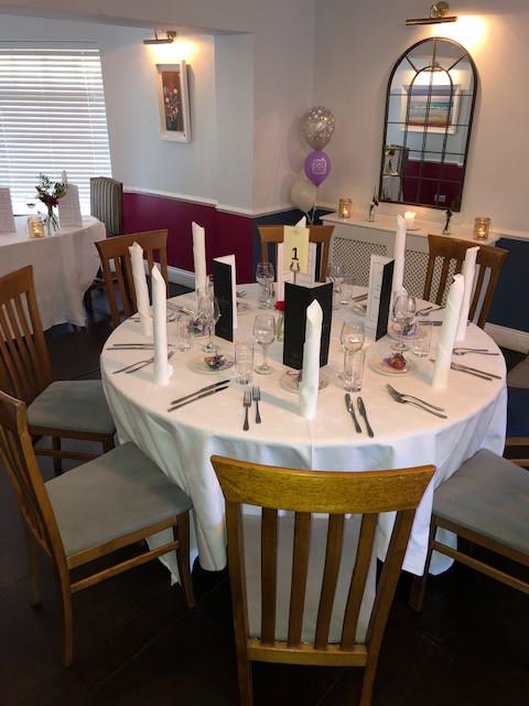 Roberts Cove Inn Wedding Table.JPG
