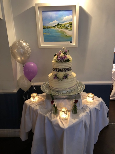 Roberts Cove Inn Wedding Cake.JPG