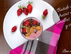 Batido de fresas con lino y chia.