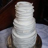 Ruffles Cake 3.jpg