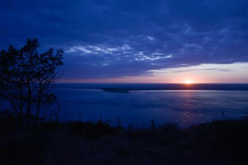 Couche de soleil, vue sur le Banc d'Argu