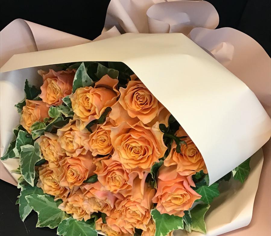 オレンジ薔薇ブーケ