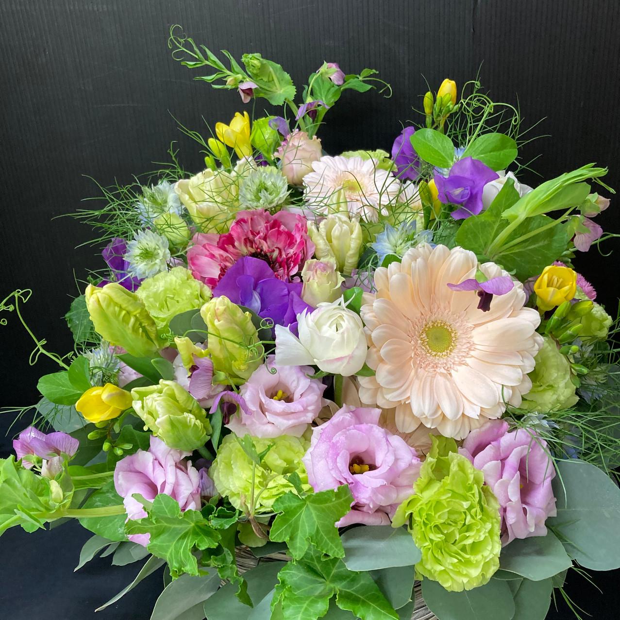 季節のお花でお任せアレンジメント