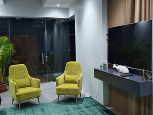 Lounge with TV