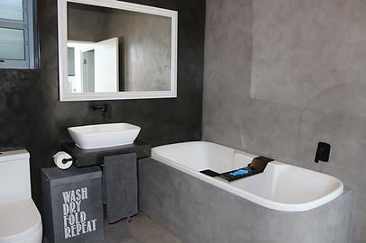Graaitjie Dulux En-suite Bathroom