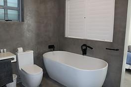 Graaitjie Second Bathroom