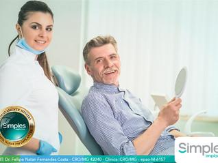 Colocar um implante dentário dói?