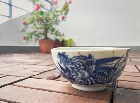 Antique bowl kintsugi (+ vintage ceramic lamp)