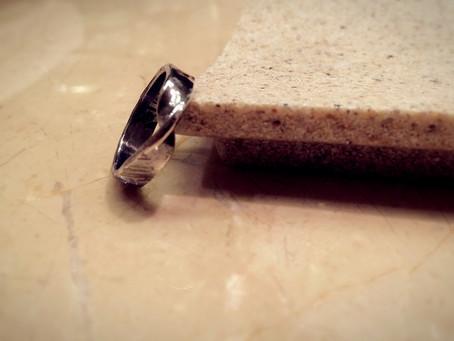 Möbius ring