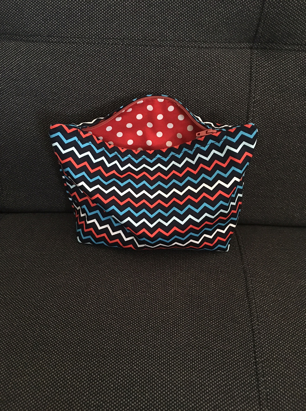 Lined zipped bag 3