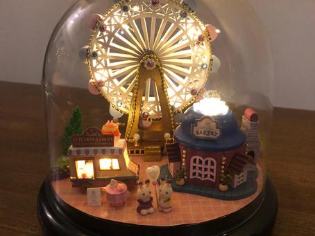 Ferris wheel musical globe