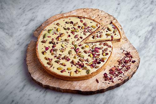 Tarta różano-pistacjowa