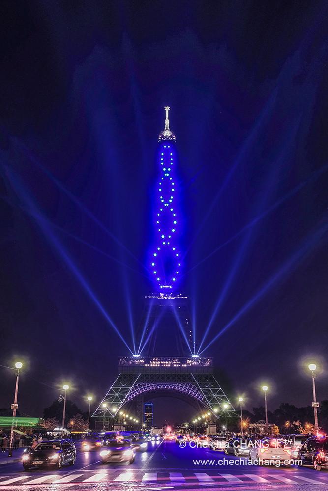 La tour Eiffel 130 ans