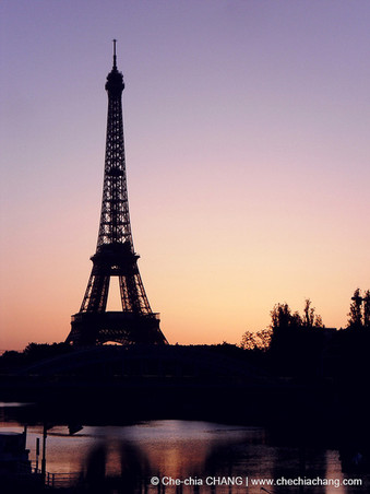 04.jpgEiffel tower
