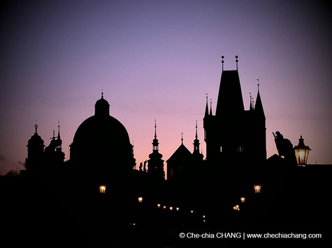 Silhouette-3, Prague