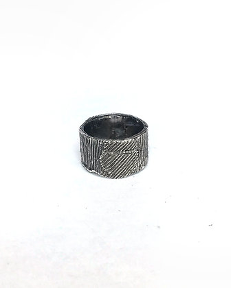 Roughlines Ring