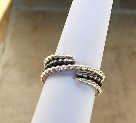 Spiral B&W Ring
